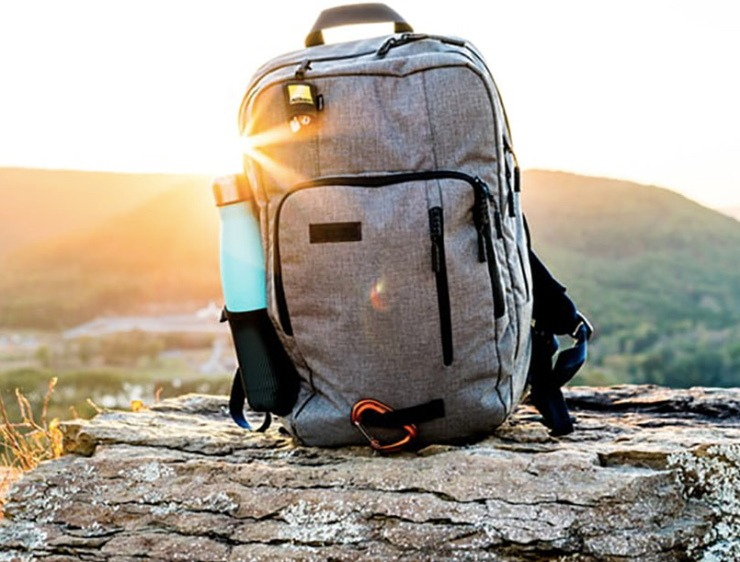 Guide to Spirit & Frontier Personal Baggage Allowance